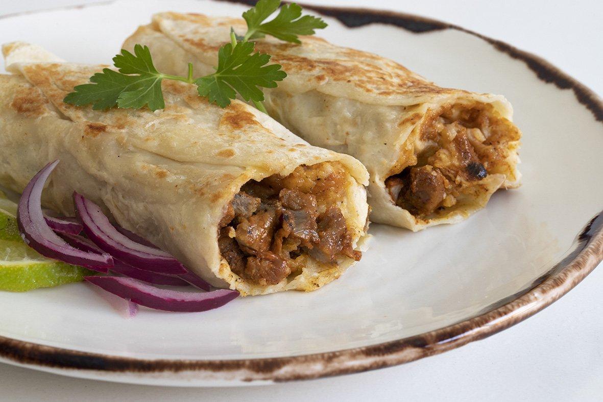 Burritos de carne al pastor